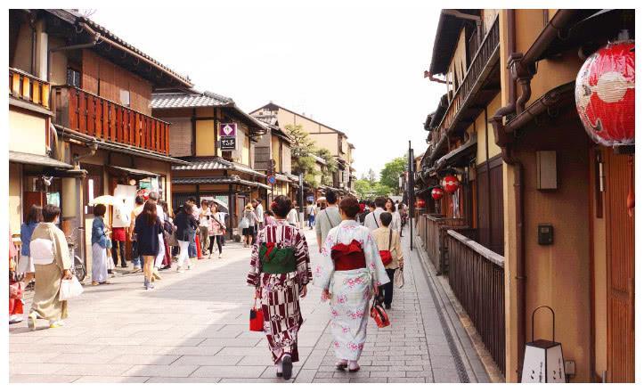 日本游客来中国旅游,带3万日元想玩一周,网友:你当这里非洲吗