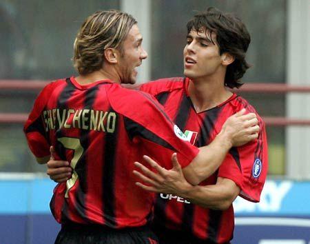 足球老照片 2004年10月3日意甲第5轮AC米兰3比1雷吉纳 舍瓦+卡卡