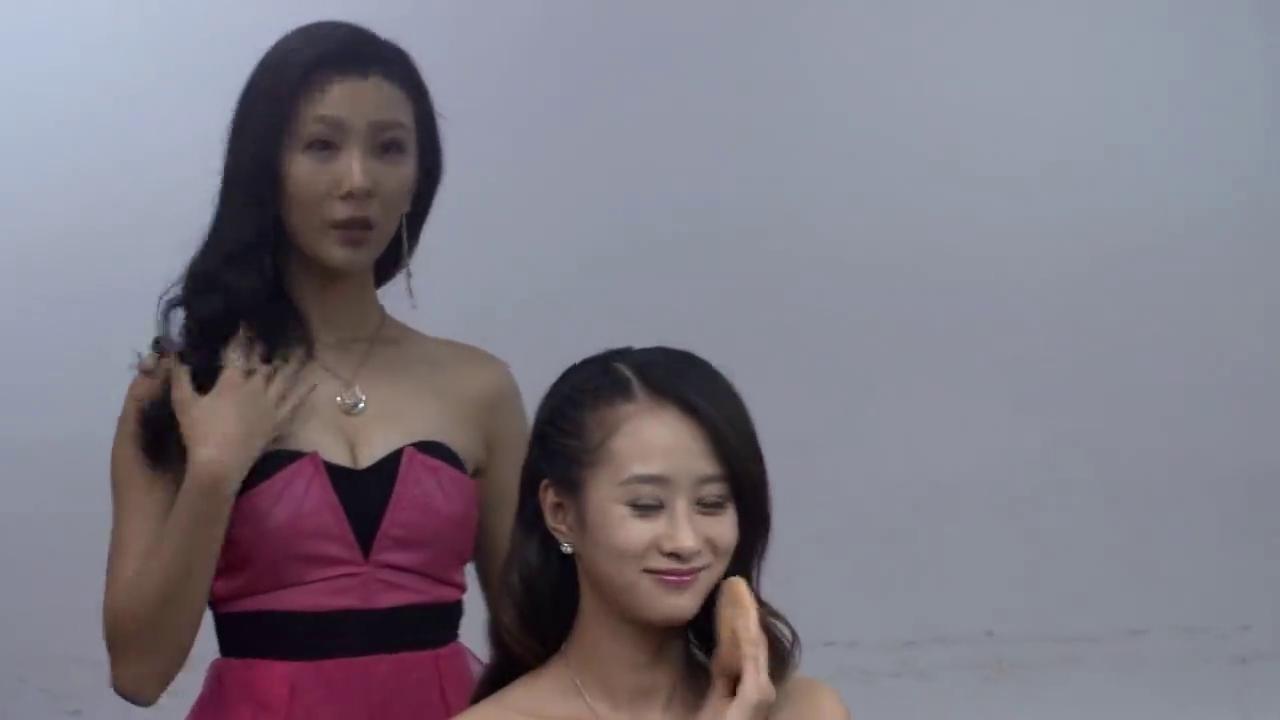 时装秀名模缺席,总裁看了一眼,直接挑选灰姑娘,心机女气坏了