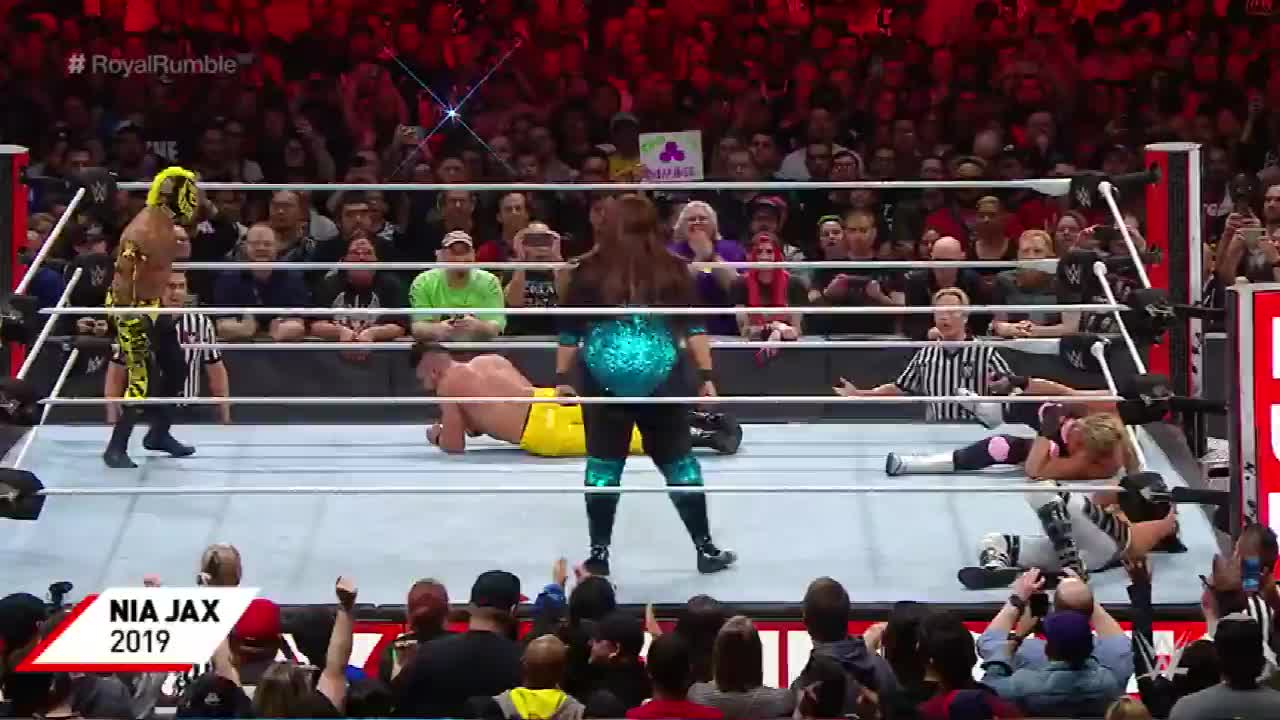 细数历届WWE王室决战大赛上绳挑战赛最后一位入场的明星