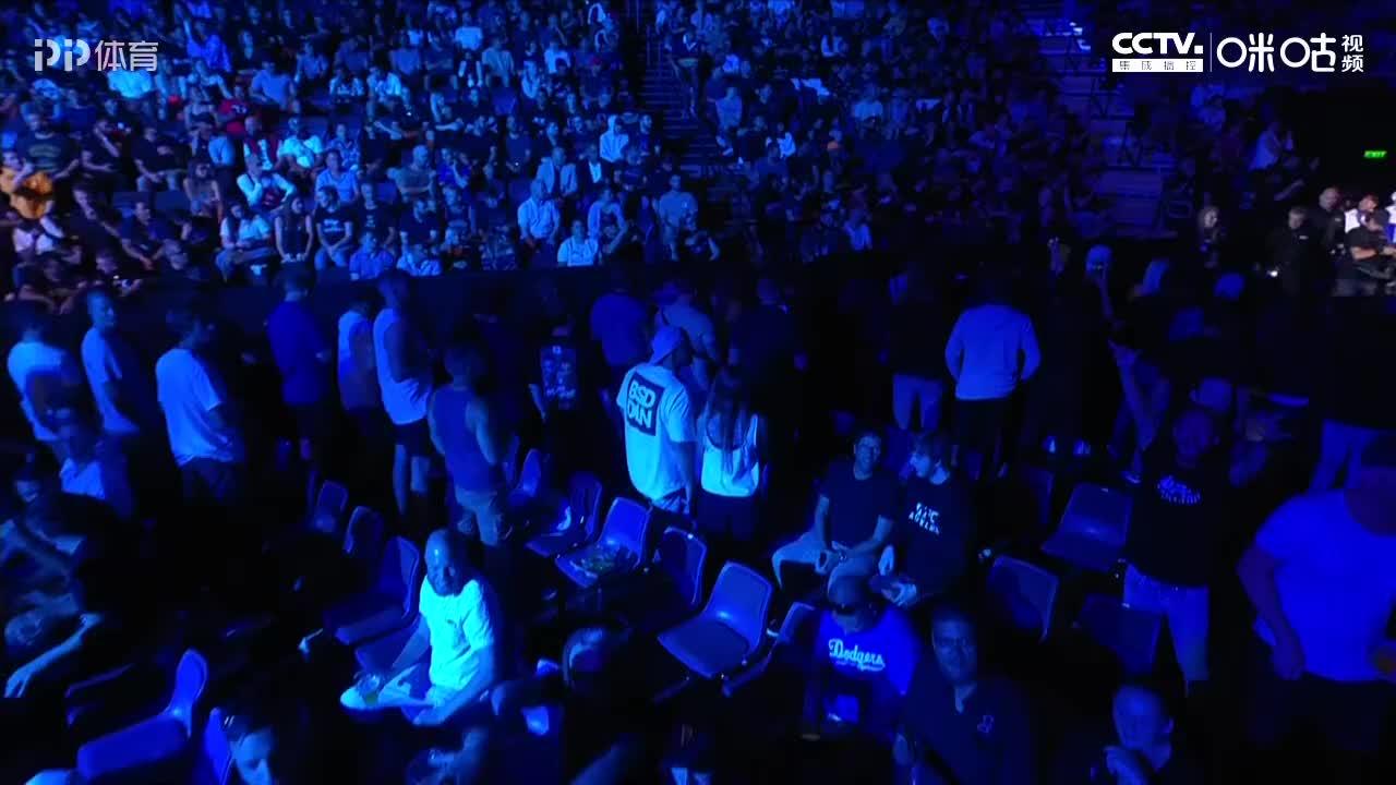 UFC格斗之夜168闫晓楠V卡洛琳娜