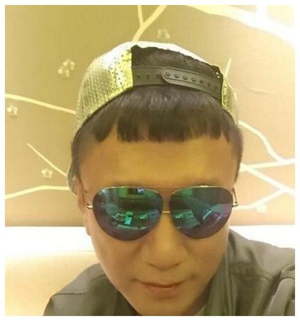 10个明星戴墨镜,孙红雷很萌,郑伊健有魅力,最帅的不是鹿晗