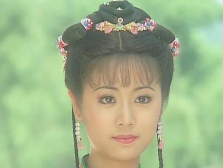 林心如不火了,蒋欣不火了,张嘉倪不火了,而她凭儿子东山再起!