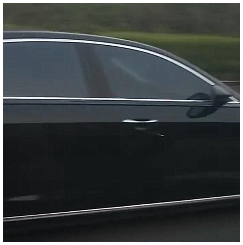 """最""""贵""""奥迪A8L,车价仅93万,车牌却值250万,车牌比车贵百万"""