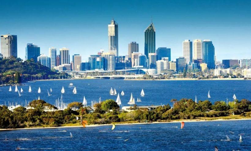 珀斯:澳大利亚西澳大利亚州的首府,澳大利亚的第四大城市
