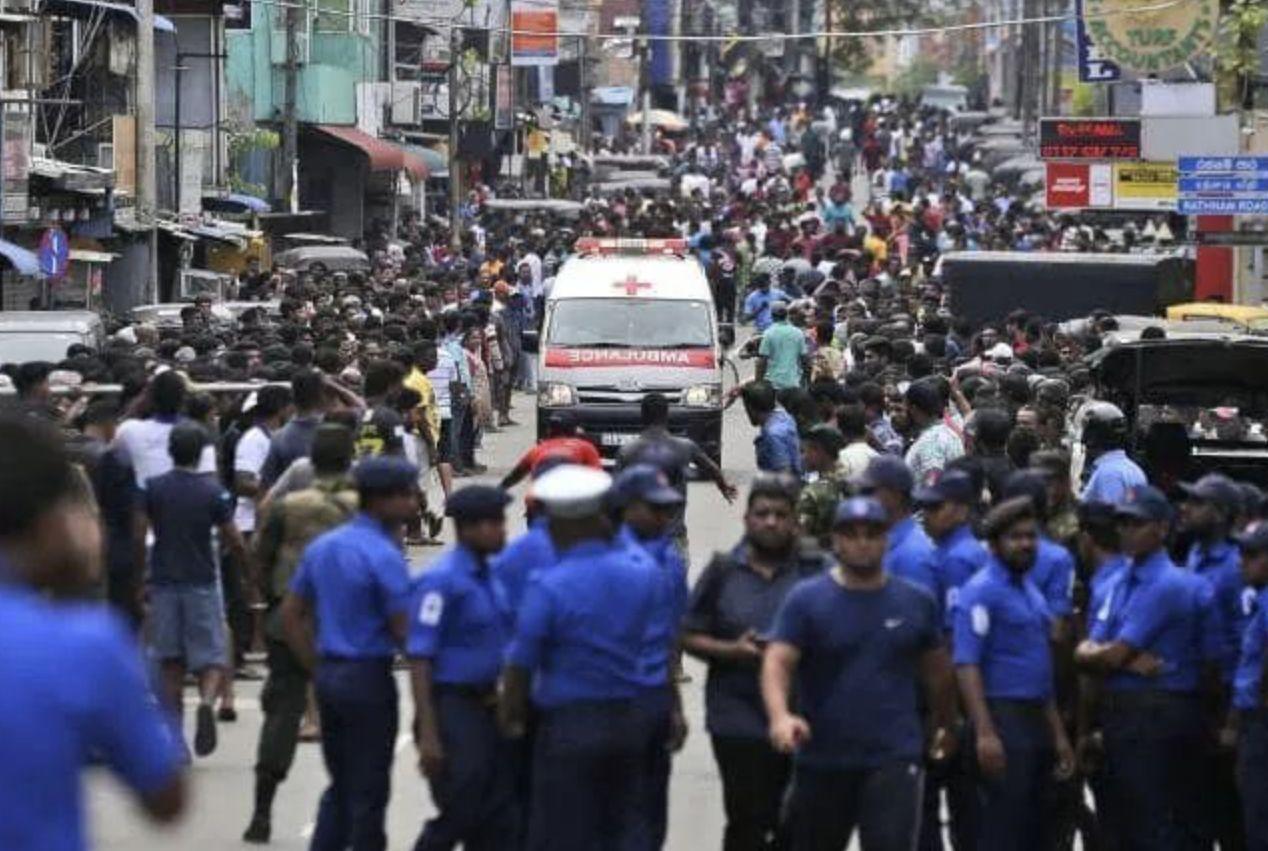 斯里兰卡发生连环爆炸,境外旅行安全第一,转发给需要帮助的人
