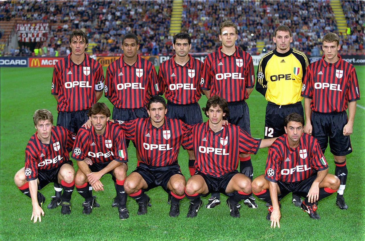 足球老照片:1999年9月28日欧冠H组第3轮AC米兰1比1柏林赫塔