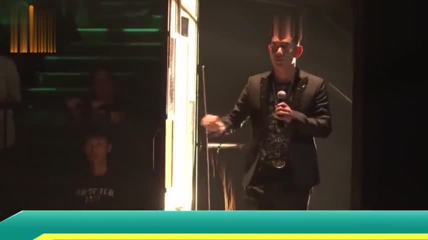 曾是亚洲金曲天王如今沦落到酒店卖唱网友这不是你的段位