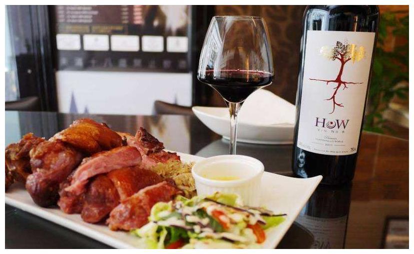 吃西餐为何侍酒师倒红酒,会让客人尝一口?究竟挺多,不懂尴尬了