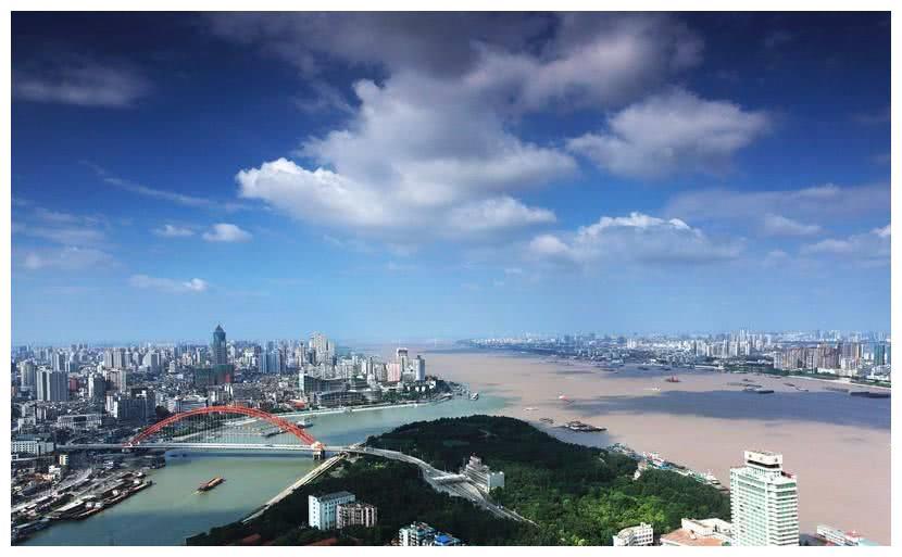 """中国中部""""最霸气""""的省会,发展比杭州还快,有望先成为一线城市"""