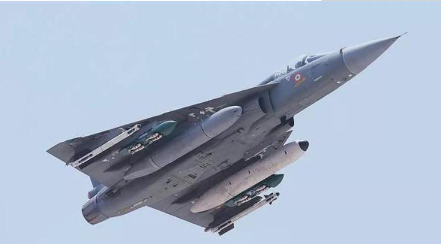 印空军光辉战机为什么还用纯三角翼,而不是常