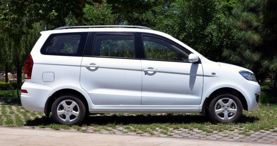 东风小康-东风风光330,新车型造型新颖,全身比例很协调