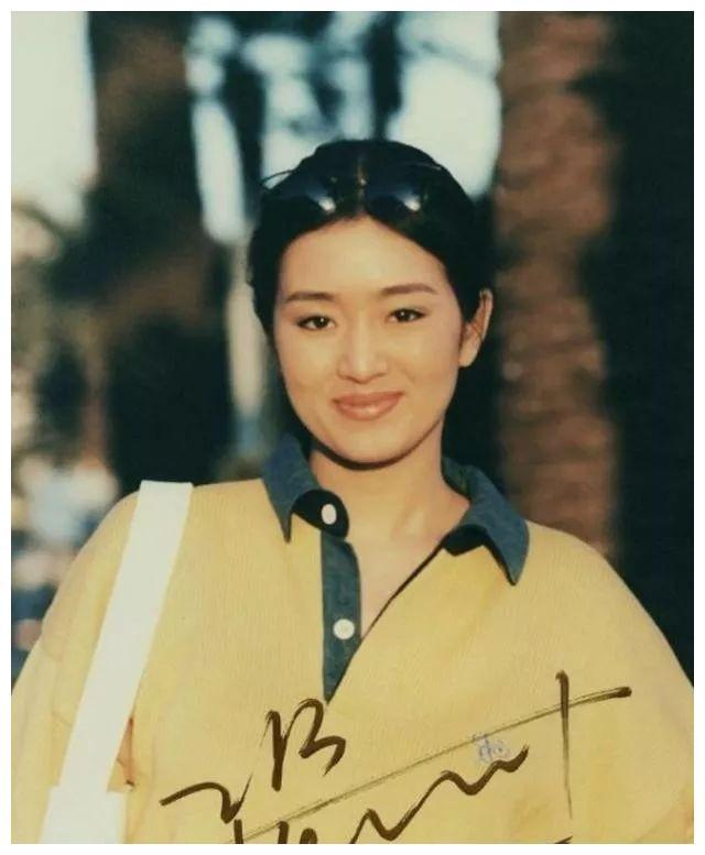 3次高考落榜,父母不支持当演员,挡不住巩俐做中国电影女皇的心