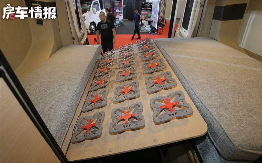 新发布的依维柯B型房车内部多采用进口配件,车尾床增加防潮功能