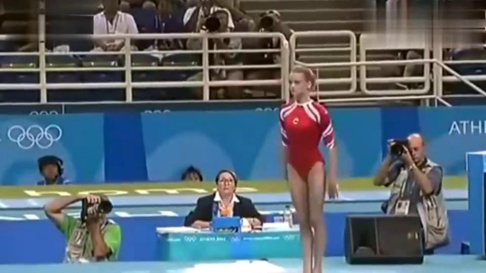霍尔金娜不愧为体操女王,她的体操表演就是一场艺术!