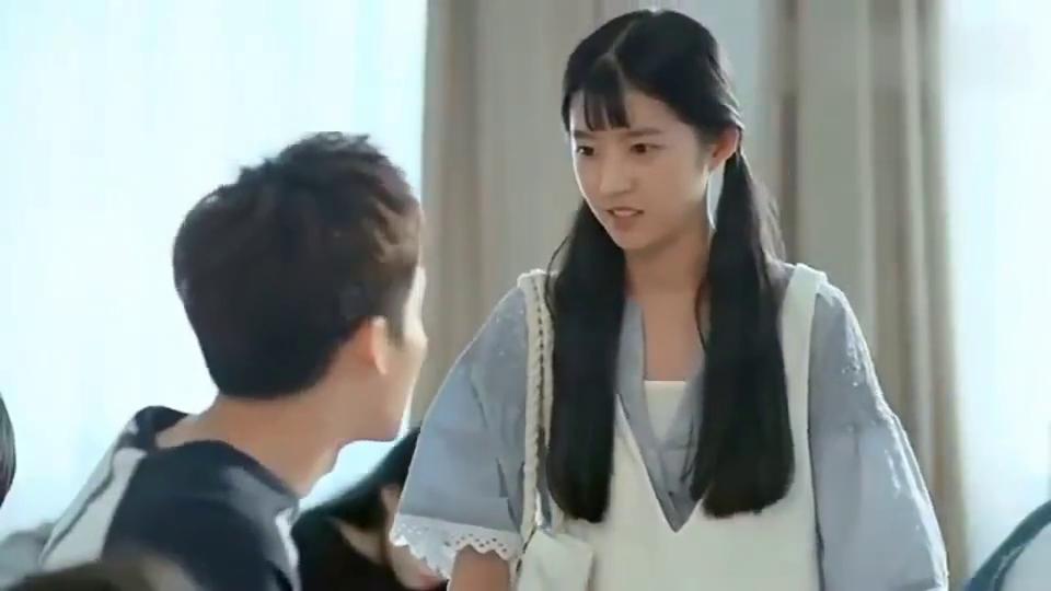 最亲爱的你杨宇上课没给小纯留位置, 小纯生气吃醋了
