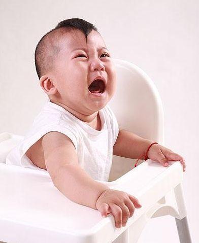 """""""佝偻病""""早期, 孩子可能会出现的4个症状!"""