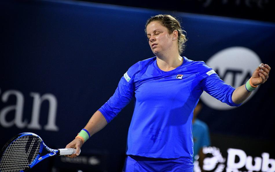 WTA迪拜赛首轮,前世界第1克里斯特尔斯复出首秀0比2穆古鲁扎
