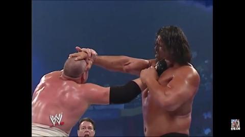 野兽巴蒂与凯恩联手都不敌巨人卡里 鹰爪功太强了