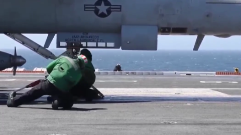 近距离拍摄暴力超级大黄蜂航母弹射器起飞