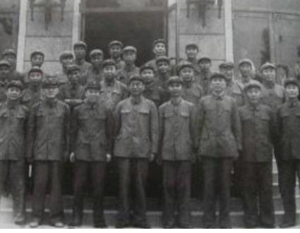 建国中将,年仅22岁肩负军长比林彪还小,他的死党后成为国家主席