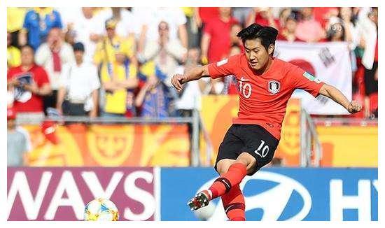 中国足球落后韩国!韩国18岁小将和武磊一个身价,起点高过孙兴慜