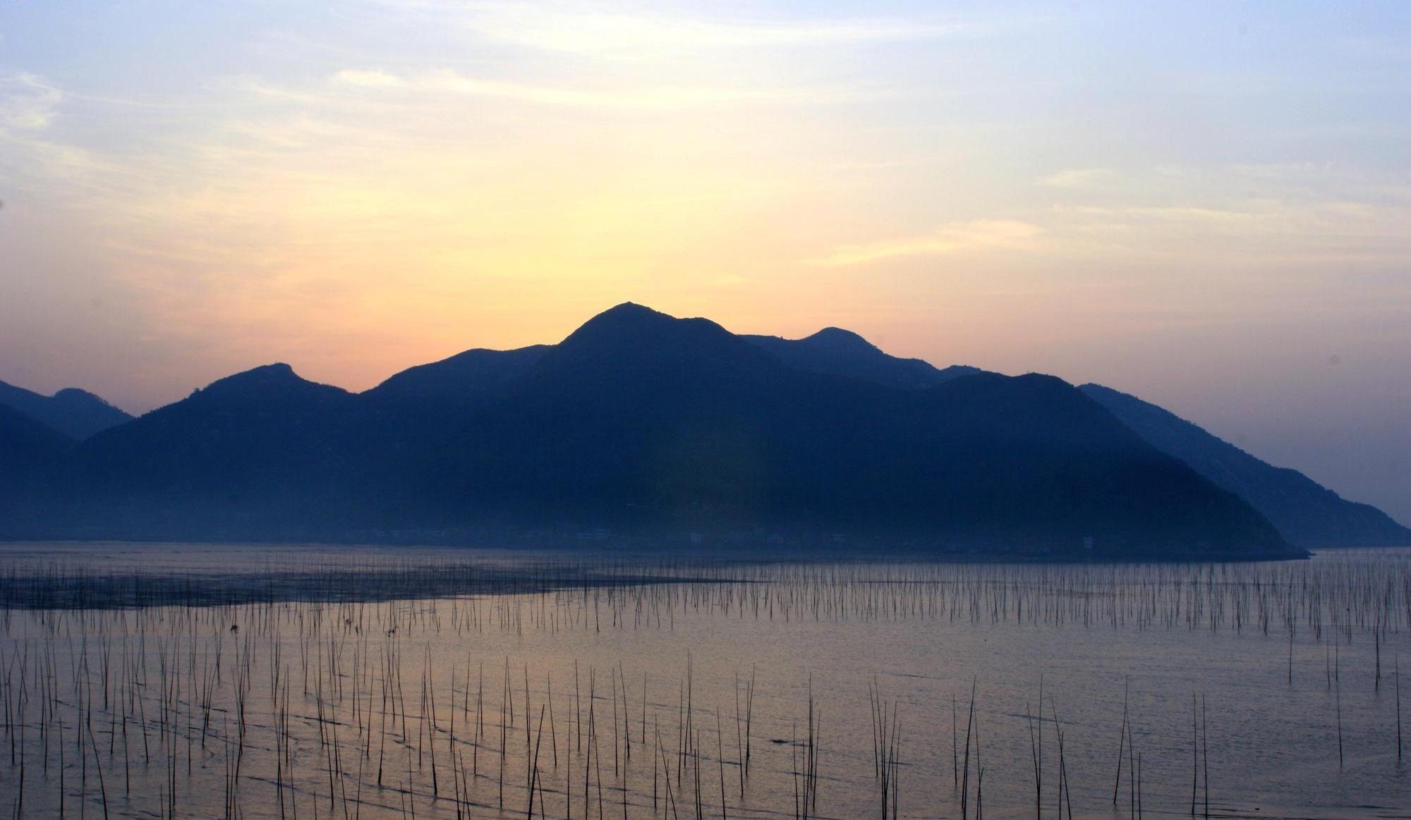 图集:福建霞浦县松港街道松渔村海滩黄昏