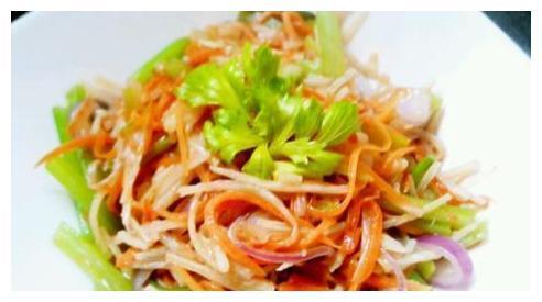 香脆三丝与胡萝卜煮蘑菇,下酒又下饭,这两道美味,你值得拥有!