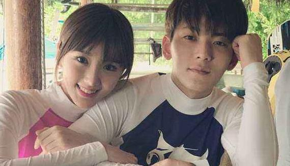 分手两年,毛晓彤早已脱胎换骨了,而陈翔还是早前的陈翔