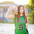爱篮球的大女孩