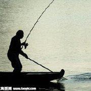灰灰爱上钓鱼