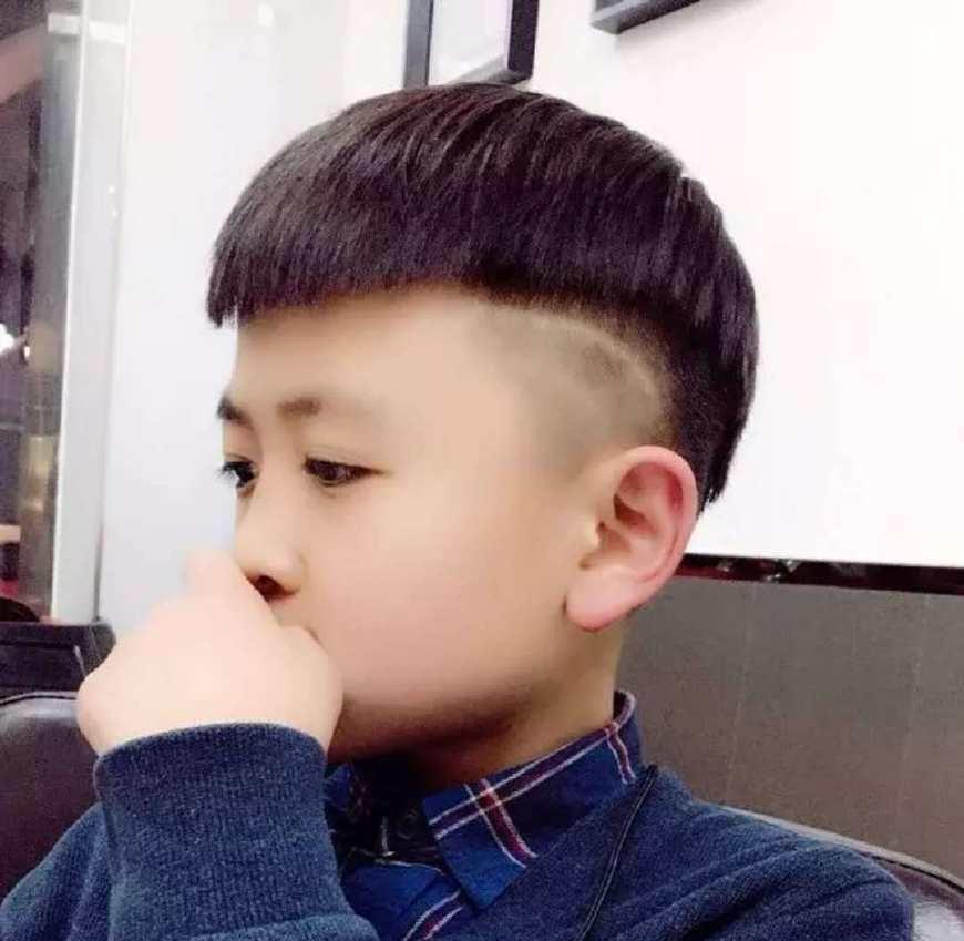 最帅最潮的小男孩发型,爱他给他剪一个这样的发型吧图片