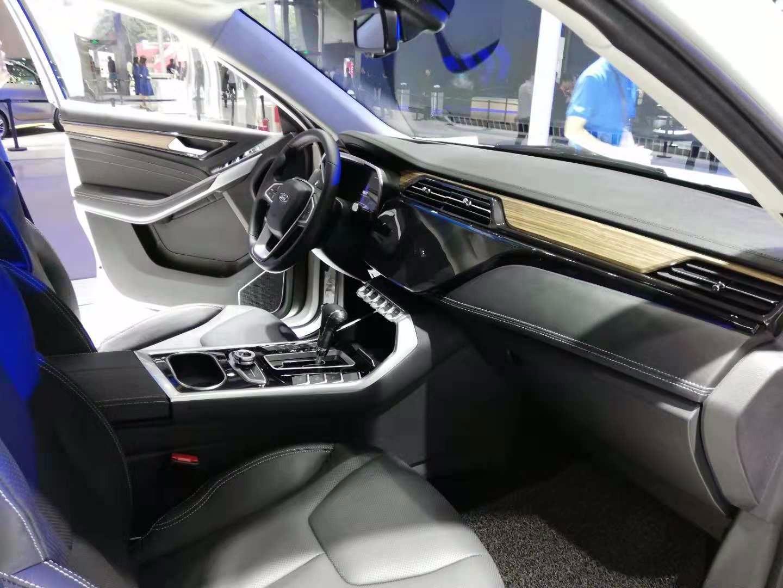 江铃福特领界亮相广州车展,酷似江铃驭胜S330,要走硬派路线?