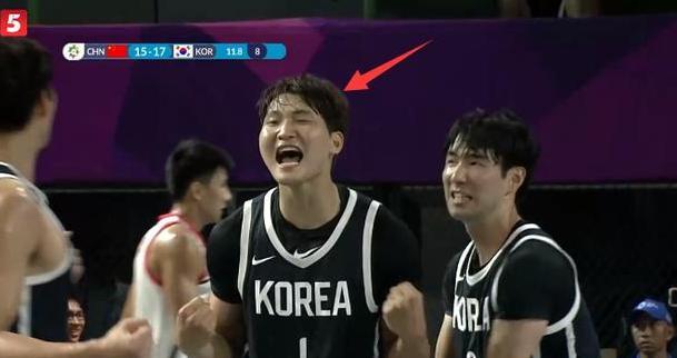 韩国提前庆祝夺冠,结果被中国队啪啪打脸,姚明忍不住笑出声