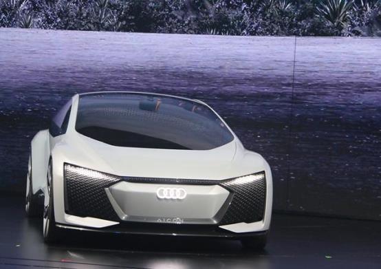 续航里程800公里,搭载L5级自动驾驶,奥迪Aicon概念车强势来袭