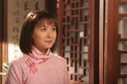 黄圣依之后又一位女星节目中炫富被打马赛克,网友:有钱人