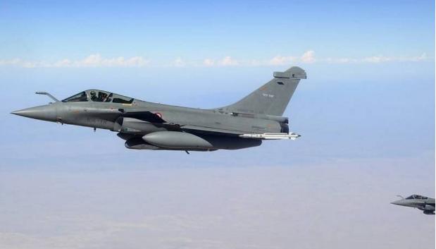 俄空军突袭德拉反对派,之前袖手旁观,为何此时选择发起空袭?