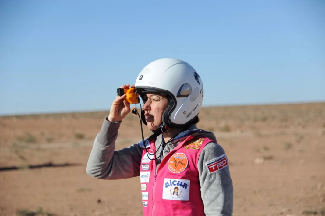 全世界唯一仅限女性参加的汽车越野赛事