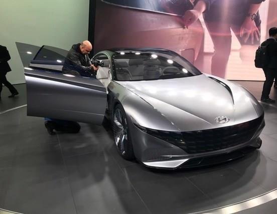 终于等到你!韩系再推高颜值新车,造型前卫到让你过目不忘