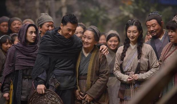王宝强和甄子丹注册天游新电影,上映第二天300万票房,电影全面扑街