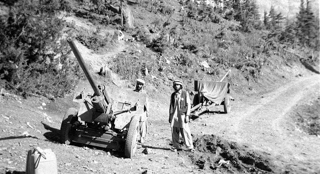 群山间猎熊者:反抗苏联入侵阿富汗抵抗军!