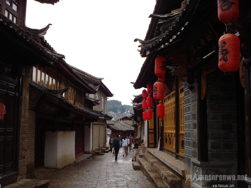 云南丽江旅游景点 云南丽江旅游景点古街 丽江街道依山势而建,顺水流