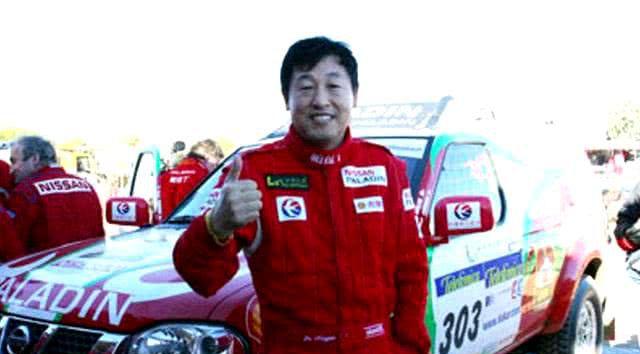 中国车王,名下四辆车,三辆别人送的,有人出100万买他的战车!