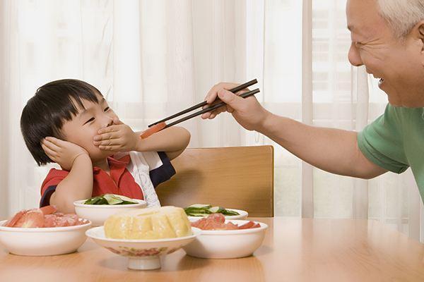 新生儿过度喂养的危害你了解吗?