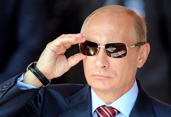 美国海军为何彻底慌了?战舰刚刚抵达黑海,普京就下令:导弹发射
