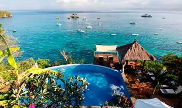 巴厘岛最直观的印象就是阳光海滩,在这里可以深切感受到历史文化,自然