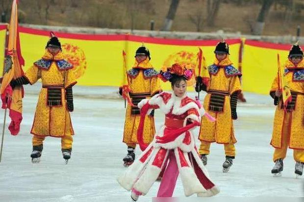 甄嬛传中,安陵容凭借冰嬉复宠封妃,清朝春节国俗冰嬉