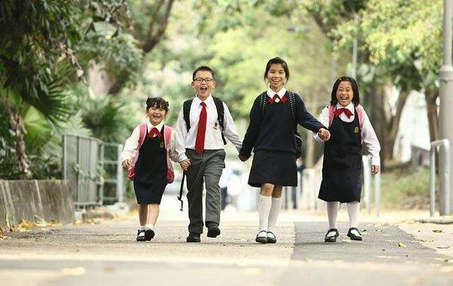 年级六小学优秀作文实验:难忘的小学校园生活新化县欣赏小学图片