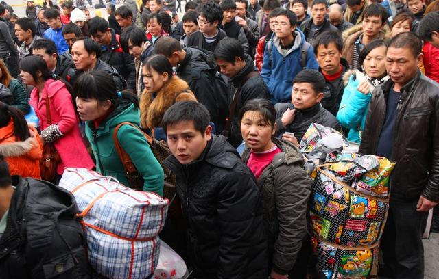 还没到春节就出现农民工返乡潮的现象,专家分析后,沉默了