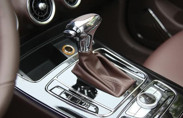 搭载宝马1.6T发动机,又一款高端自主SUV上市,仅售11万